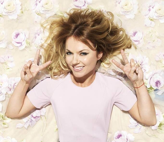 Geri Halliwell: incinta la ex delle Spice Girls - La notizia è stata diffusa attraverso i social network: la ex cantante delle Spice Girls, Geri Halliwell, è incinta. Per lei si tratta della seconda gravidanza. - Read full story here: http://www.fashiontimes.it/2016/10/geri-halliwell-incinta-ex-spice-girls/
