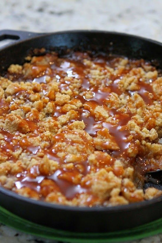 Salted Caramel Apple Crumble | That crumble looks so good with the caramel on top!
