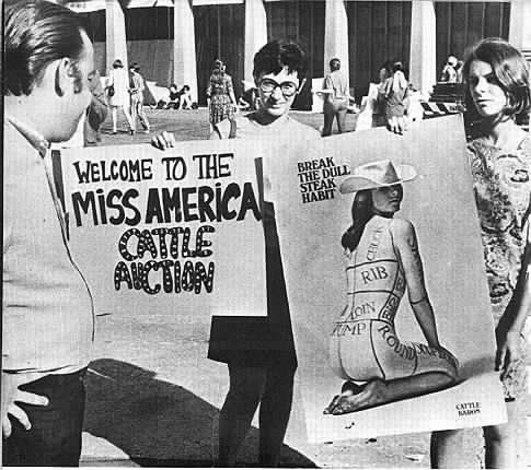 gender roles in the 1960s With more women in the workforce, less jobs were available to them and the women roles of the house were being left for them during this time, women were rising slowly but surely the 70's were a time where gender roles were being redefined for the future generation.