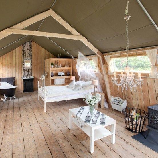 De safarilodge bij Guesthouse de Heide in Oeffelt