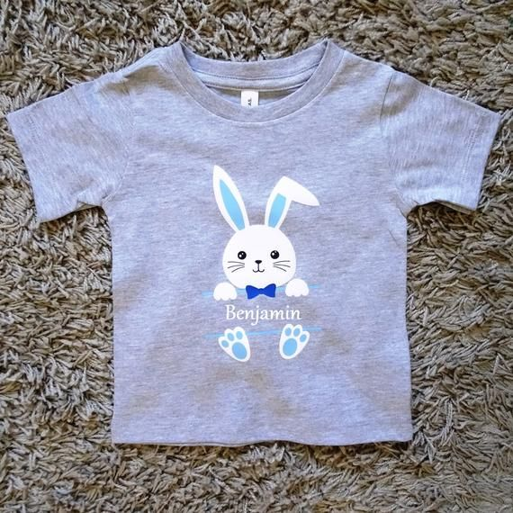 Hase Mit Name Langarmshirt T Shirt Personalisiert Junge Oberteil Ostern Osterhase Etsy Baby Baby Onesies Mens Tshirts