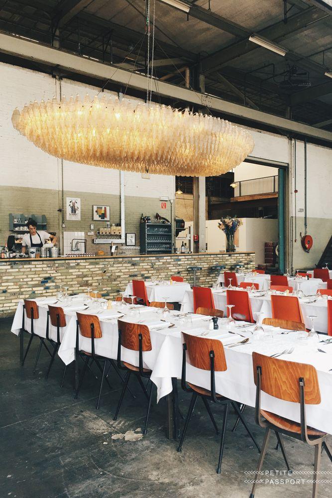 Lijkt me leuk om hier te eten, restaurant hotel De goudfazant, Aambeeldstraat 10 in Amsterdam Noord. Hip restaurant in een loods zonder poespas.