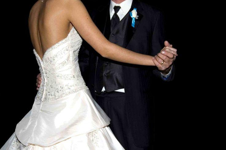 Nuevo post en el blog #Innovias La música para el primer baile de tu boda #bodas #ideas #musica http://innovias.wordpress.com/2013/03/25/la-musica-para-el-primer-baile-de-tu-boda/