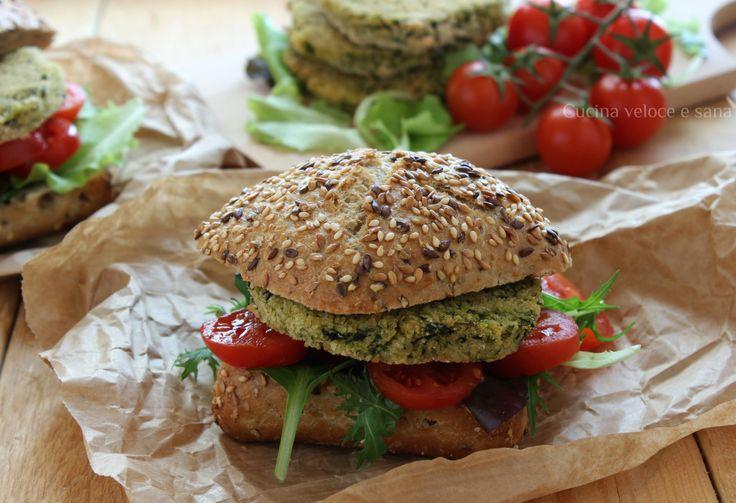 Burger di miglio, cannellini e spinaci, una proposta per un secondo piatto, gustoso e completo, poiché contiene cereali, verdura e proteine di origine vegetale.