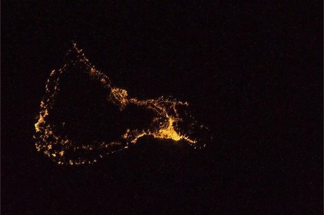Tenerife Island by Night . NASA's photo . Isla de Tenerife por la noche , foto de la Nasa