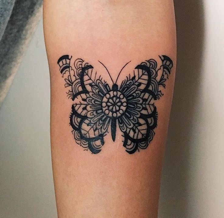 Tattoo floral butterfly #oldschool_tattoo_design