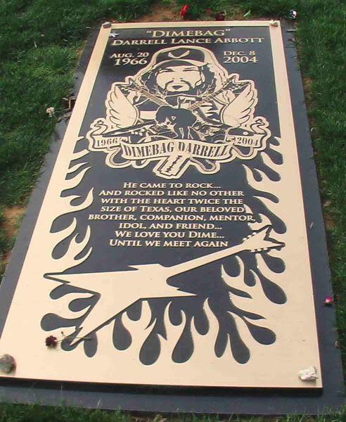 """Darrell """"Dimebag"""" Abbott's grave."""