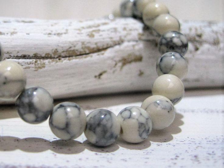 20+Stück+Natursteinperlen+marmoriert+pastell+weiß+von+ChaPu+auf+DaWanda.com