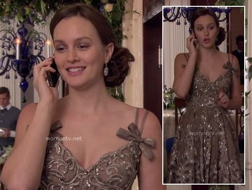 Blair's taupe sequin dress with bows on the Gossip Girl finale (at Serena's wedding). I LOVE this dress. It's all of my favorite things in one garment: Sparkles, lace, bows, great shape, swishy skirt...sigh.