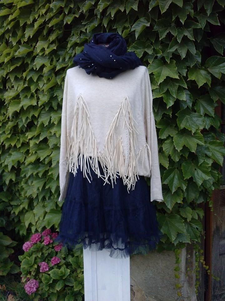 conjunto falda tul y jersey flecos