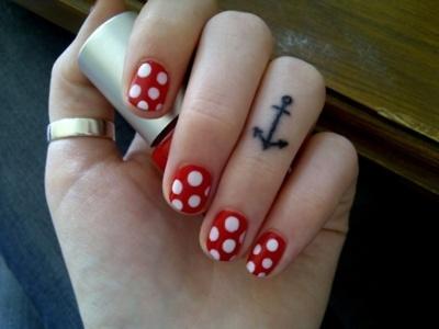 Rockabilly nails.Cute Nails, Fingers Tattoo, Polka Dots Nails, Nails Ideas, Knuckle Tattoo, A Tattoo, Nails Polish, Anchors Tattoo, Cute Tattoo