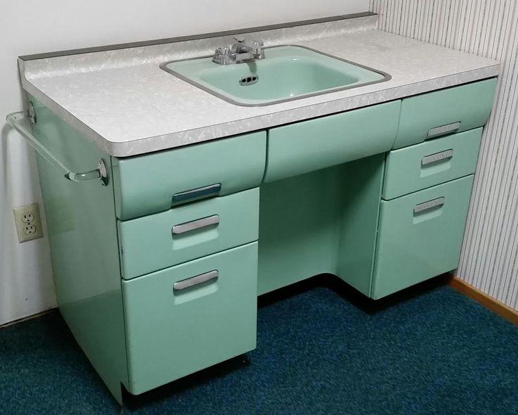 "Five vintage Lavanette ""Vanette"" bathroom vanities - oh my, fantastic! - Retro Renovation"
