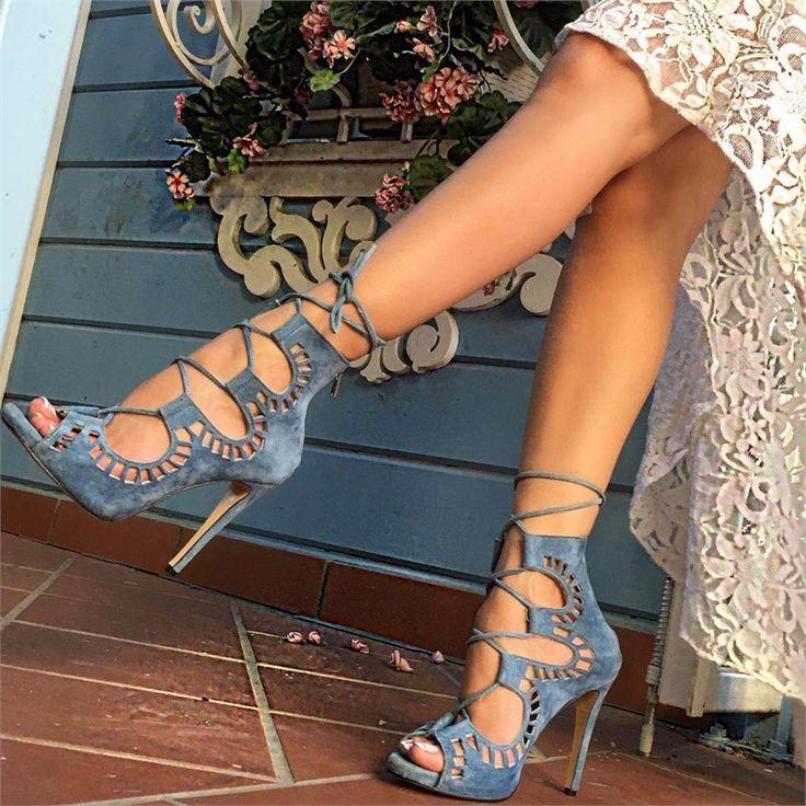 mavi topuklu ayakkabi http://www.pelinayakkabi.com/2017-topuklu-ayakkabi-modelleri/