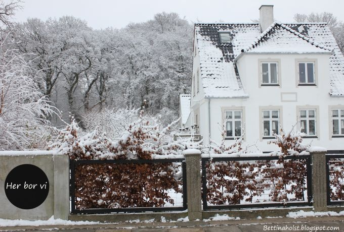 Bettina Holst - my house dressed in winter..