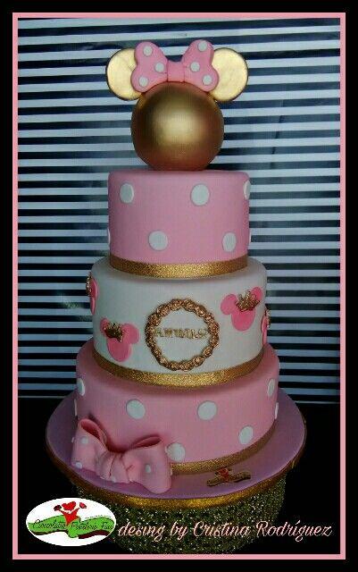 Pastel de Mimi rosa y dorado