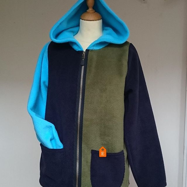 Easy #summerjacket for cool evenings.A sporty #womens jacket, great with #jeans. #cozyclothes
