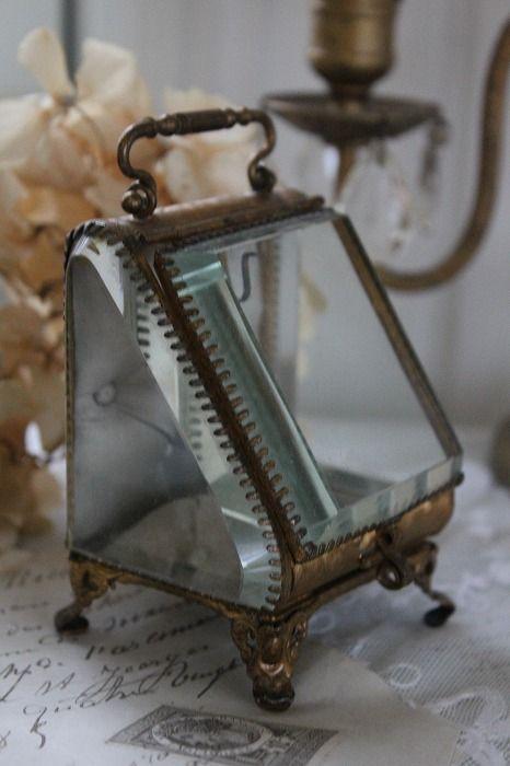 「フレンチアンティーク ビベルドグラス&ブラスジュエリーボックス」ココン・フワット Coconfouato [アンティーク&雑貨] アンティークジュエリー ロザリオ ジュエリー シルバー リング ブローチ ネックレス 指輪 --jewelry--