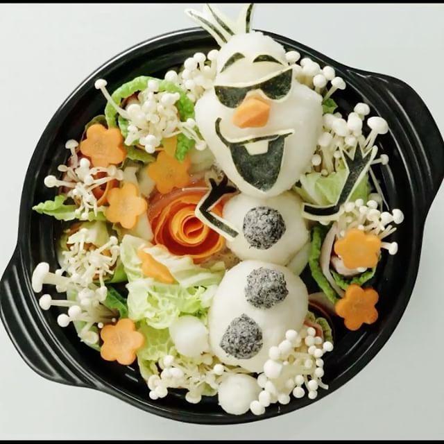 【とけちゃうけどな】あこがれの夏鍋⠀  ⠀⠀  スマホアプリはレシピを簡単に探せるよ📲⠀  ダウンロードはプロフィールのURLをクリック👆⠀  ⠀⠀  #art #tastemade #tastemadejapan⠀  #大根おろし #アート #テイストメイド #キャラクター