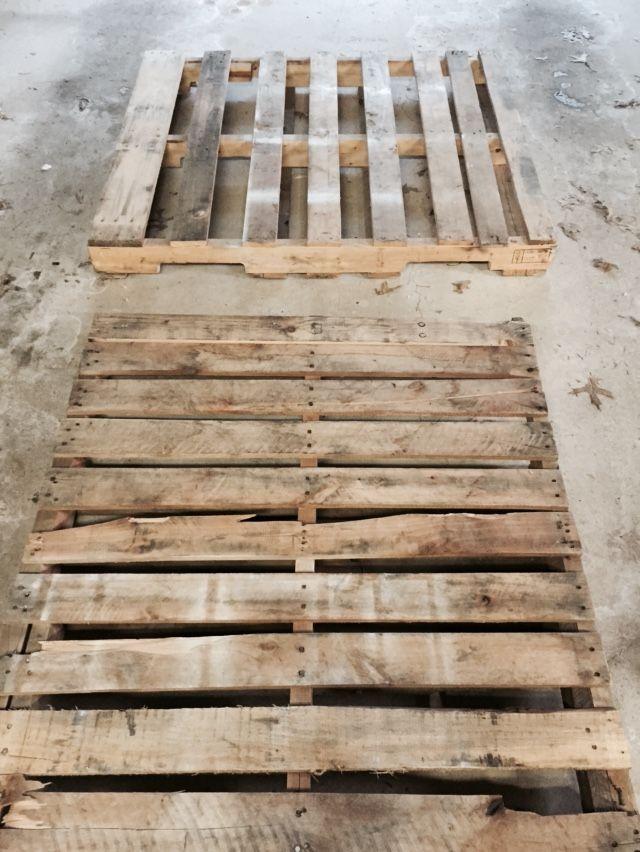 Diy Pallet Sliding Barn Door Making Barn Doors Diy