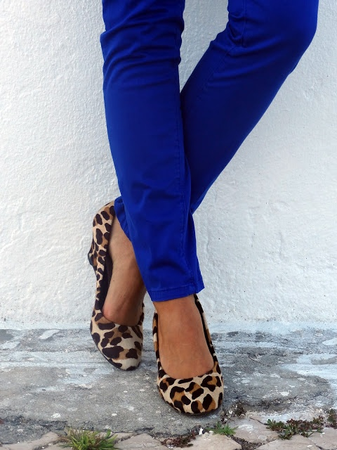 royal blue pants  and leopard wedges