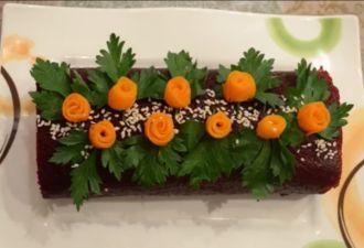 Представляем вам рецепт праздничного салата. Готовить мы его будем слоями с домашним майонезом, приготовленным по рецепту с нашего сайта. Такой салат украсит любой праздничный стол, особенно красиво он...