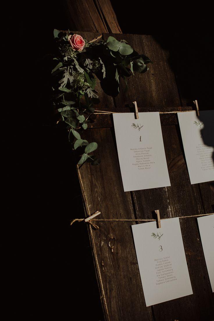 rustic wedding / guest list at the wedding / green / fot. Ola Gruszka Fotografia