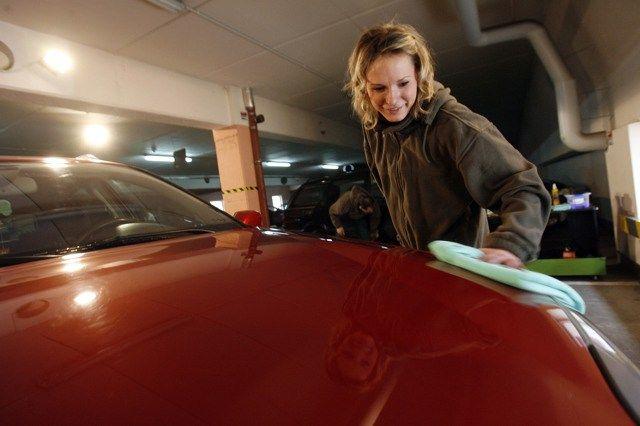 http://www.instagram.com/autodetail_hotspot Auto Detailing. Czym i jak sobie z tym poradzić?  Car – Detailing. Co to jest? To przemyślany proces pielęgnacji i ochrony samochodu, mający na celu utrzymanie auta w stanie salonowym. Nie ma znaczenia czy jeździsz Ferrari, zabytkowym Porsche czy Skodą Fabią lub Fiatem Punto. Detailing jest dla...