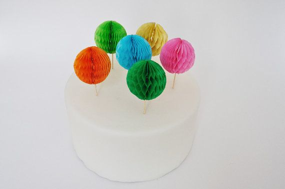 8 Palline colorate di carta a nido d'ape / 8 Colorful by Partytude, €7.50