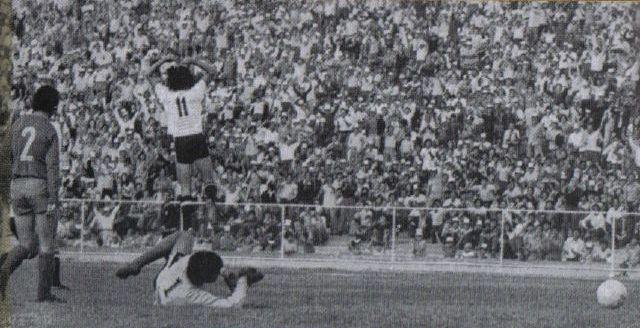 Primer gol en el glorioso Monumental.Juan Carlos Orellana. Colo Colo 1 Aviacion 0