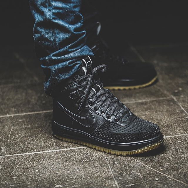 newest 94243 6c893 Nike Lunar Force 1 Duck Boot  Black      wardrobe   Nike boots, Duck boots,  Nike lunar