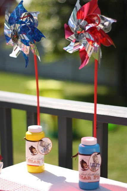 Pinwheels and bubble favours for either of my babies. Or a 4th of July party favour for the wee ones