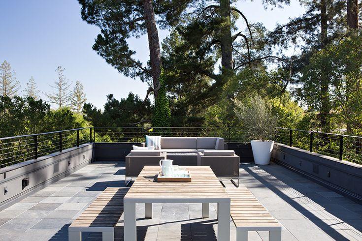 Superbe terrasse sur le toit.