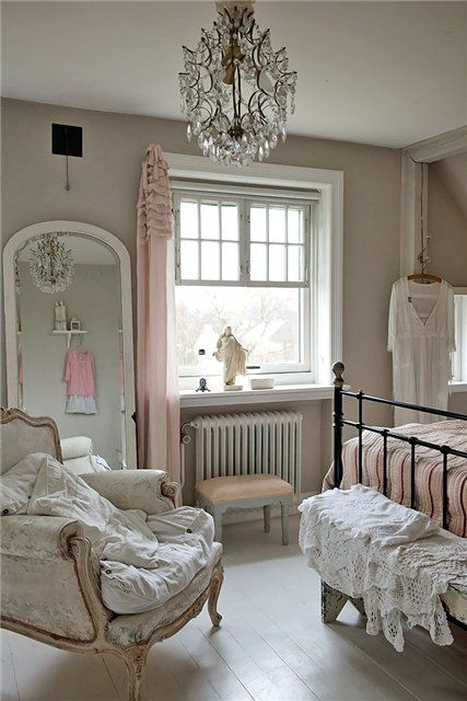 Pretty Vintage Chic Bedroom, love the dusky pink