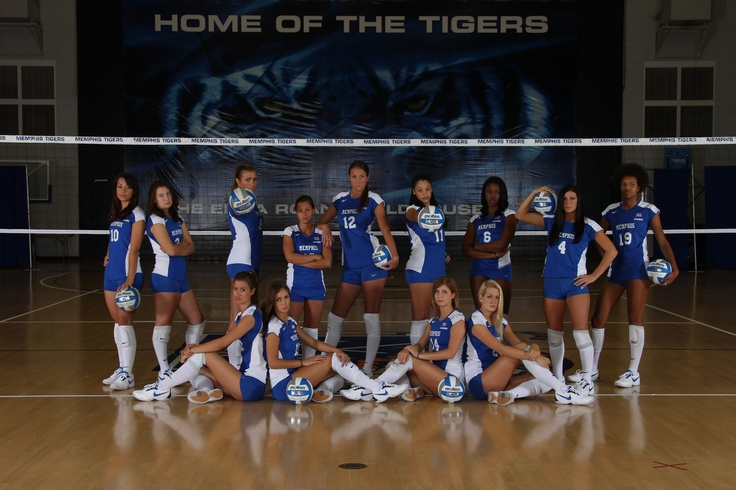 Volleyball team picture - this is different from a lot of the team pictures I've seen, I think it looks really good :) #SemiYB #September