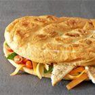 Pidesandwich met gegrilde pangasius en kruidensalade - recept - okoko recepten