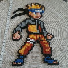 Naruto . personnage 26 cm. pixel art