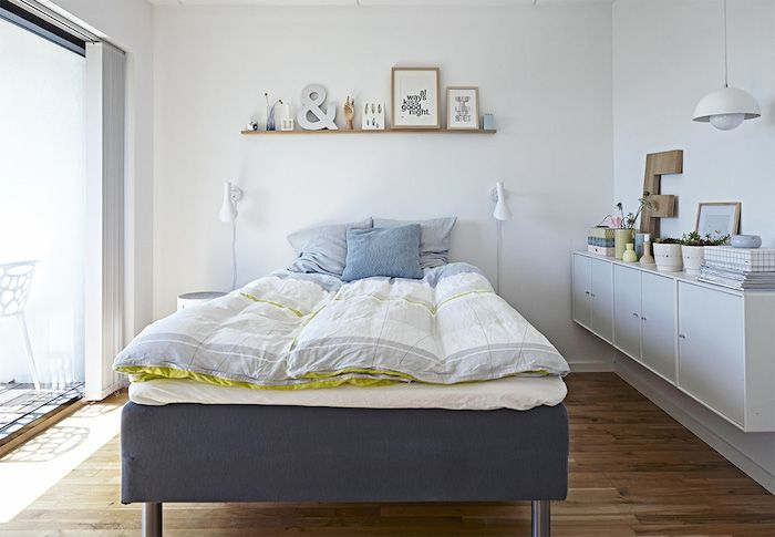 AJ sieniniai šviestuvai, Dizainas Aren Jacobsen. A House Filled with Charm, Personality and Pastels - NordicDesign
