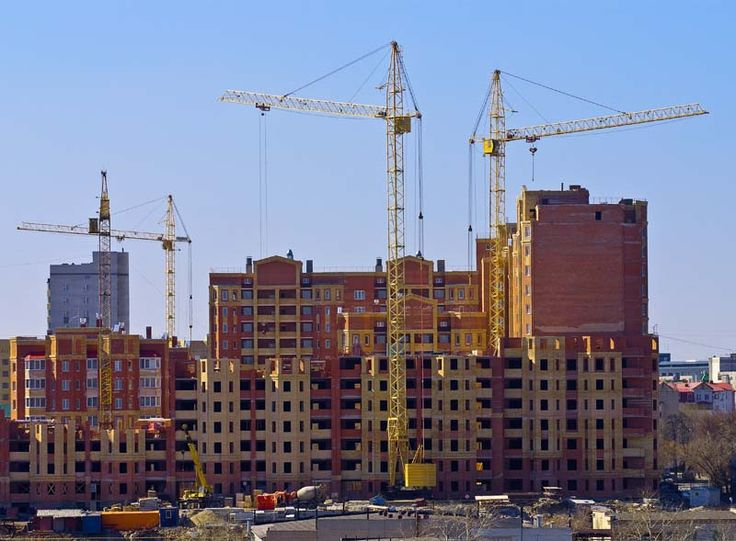За первое полугодие в регионе ввели в эксплуатацию 15 новостроек   На территории Харьковской области за первое полугодие ввели в эксплуатацию 352 индивидуальных жилых дома (общей площадью 57,3 тыс. кв. м) и 15 новостроек (55,2 тыс. кв. м), еще 46 помещений реконструировали под жилье (10,4 тыс. кв. м).  Об этом сообщили в Департаменте градостроительства и архитектуры ХОГА.  Всего на территории области за шесть месяцев введено в эксплуатацию жилья общей площадью 122,9 тыс. кв. м, что на 36%…
