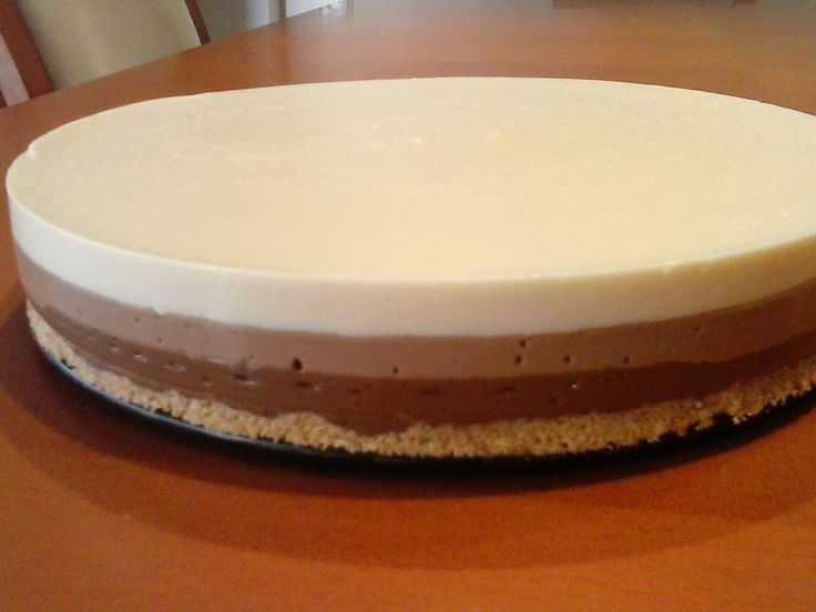 Tarta tres chocolates paso a paso - Con gelatina: 7 u 8 gr de gelatina sin sabor