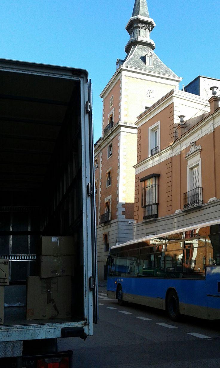 Empresas Mudanzas Sevilla. Emabalaje Profesional Regil Mudanzas ...