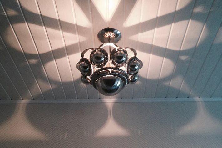 zeeuwse knop lamp van Wilco Traas. Als ik het geld heb.... <3