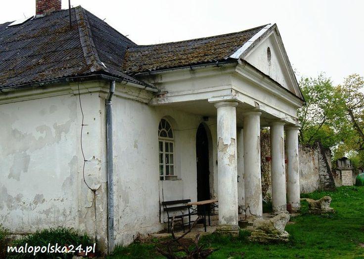 Pałac w Kurozwękach (woj. świętokrzyskie) http://www.malopolska24.pl/index.php/2013/05/palac-w-kurozwekach/