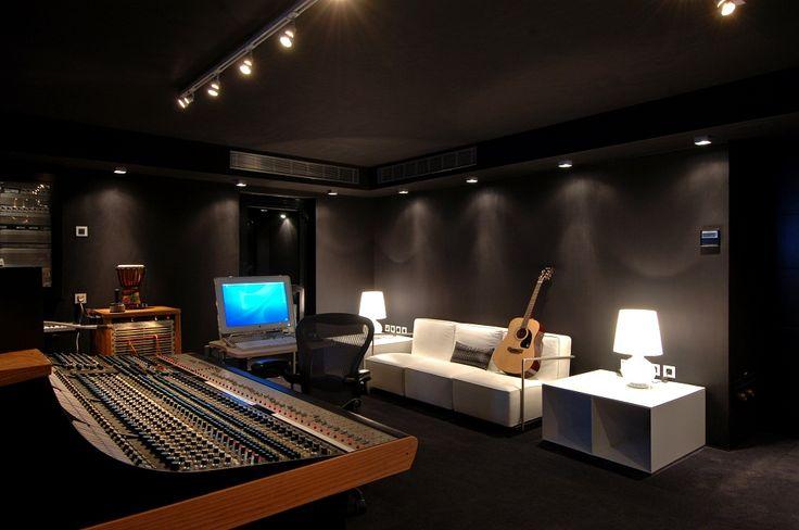 Rock Studio at Eden Rock