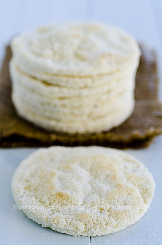 Casabe – Keeping an ancient tradition alive/ yucca bread!