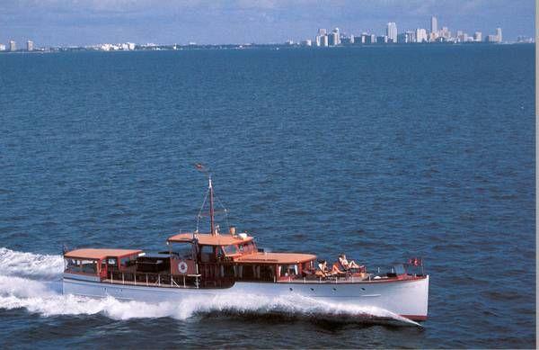 376 besten classic yachts bilder auf pinterest schiffe holzboote und boot fahren. Black Bedroom Furniture Sets. Home Design Ideas