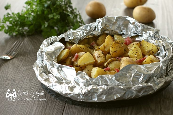 Se come me mangereste le patate in 1000 modi, questa la dovete provare, patate novelle gustosissime, ricche e con la buccia, cotte in modo particolare al cartoccio ma arricchite da qualcosa in più....