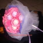 bouquet di indumenti per bambini di Linda Dal Checco