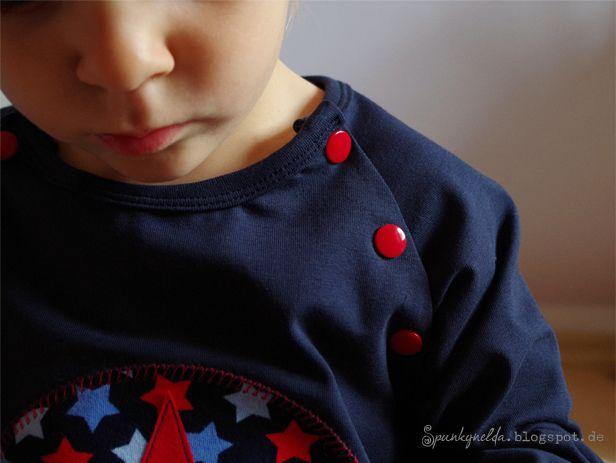 Anleitung zum Nähen einer Knopfleiste bei Raglanshirts