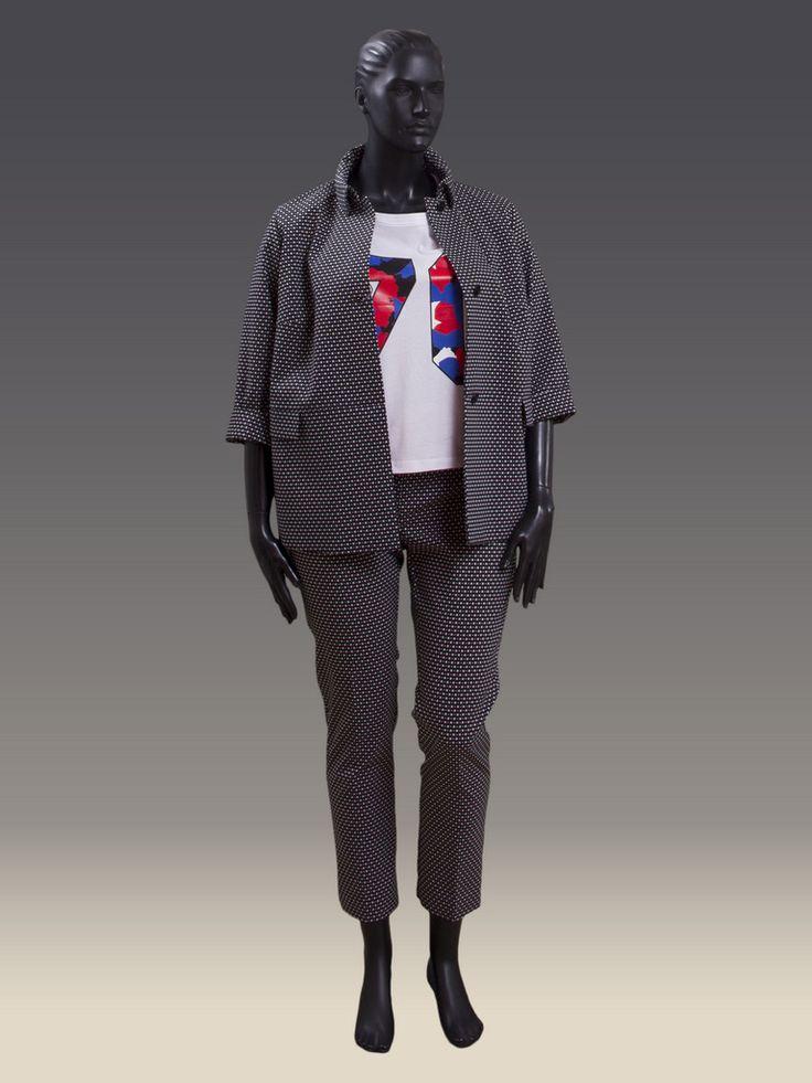 Женские брюки больших размеров зауженные к низу - модная и стильная модель для делового и повседневного образа http://helengrand.com.ua/pants/