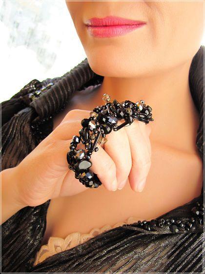 Черный браслет в готическом стиле. Необычный черный браслет в подарок.